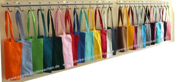 einfarbige-Einkaufstaschen-aus-Stoff-Kindergarderobe